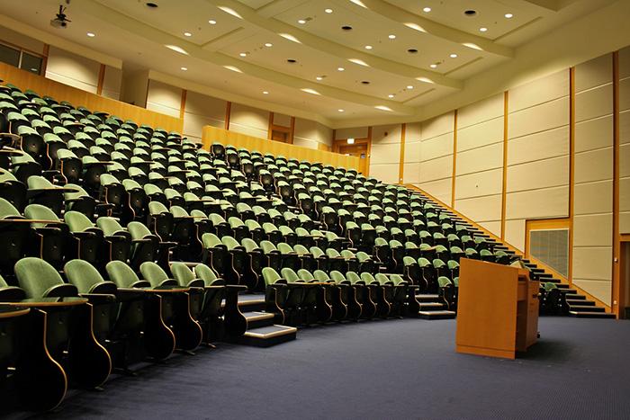 کنفرانس در کشورهای خارجی
