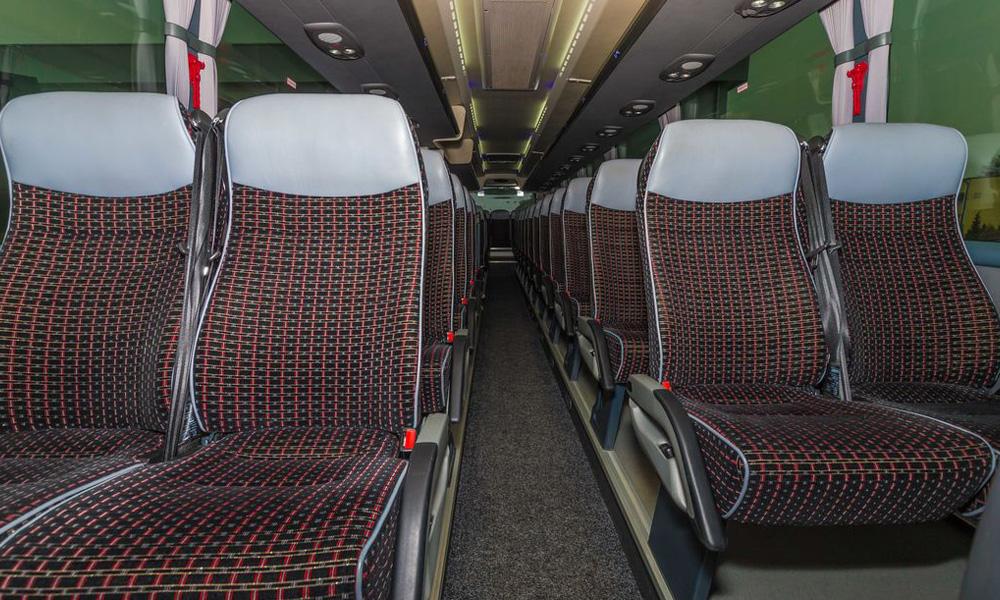 انتخاب درست صندلی اتوبوس- چگونه با اتوبوس سفر راحت تری داشته باشیم؟