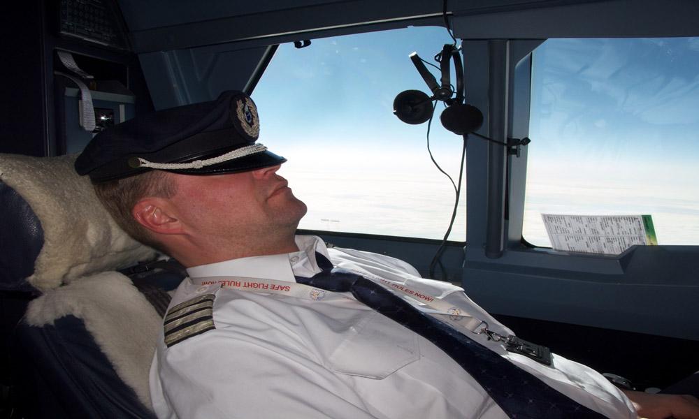همه چیز در مورد ساعت کار و استراحت خلبان ها