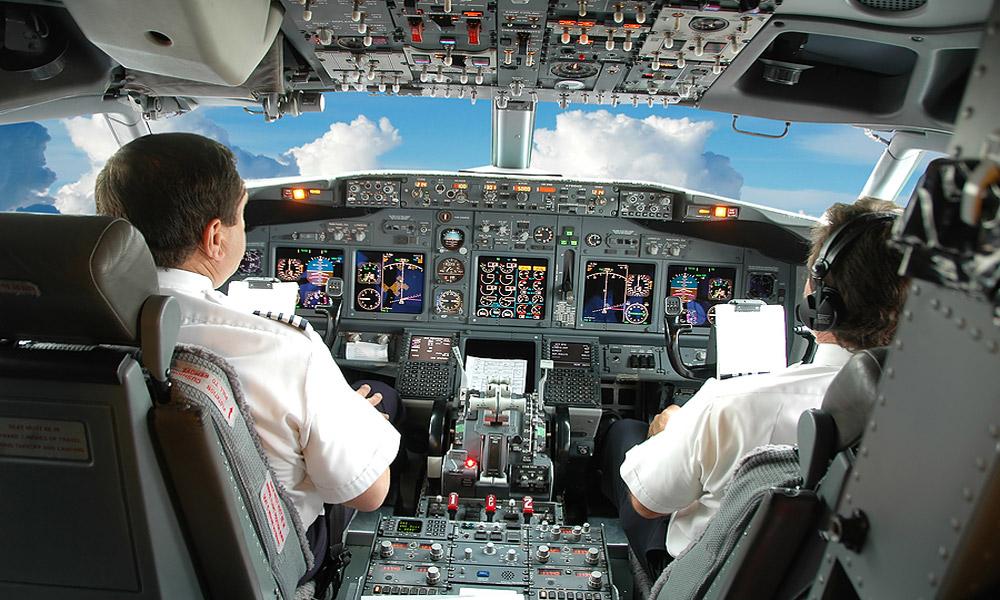 رازهای پشت پرده؛ در کابین خلبان چه می گذرد؟