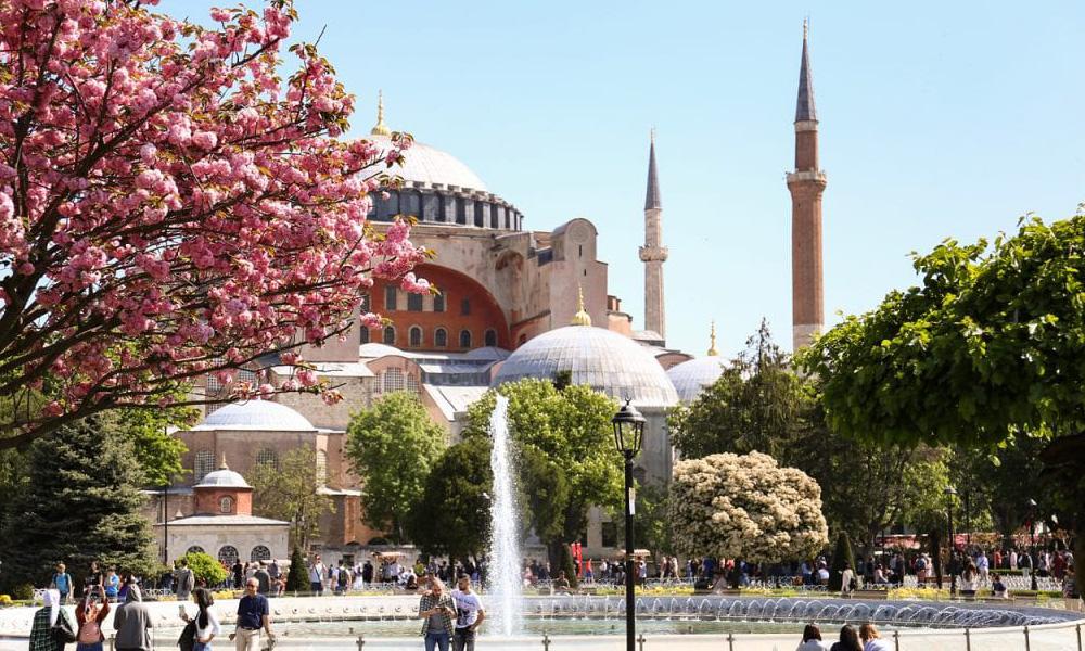 بهترین زمان سفر به استانبول - چگونه بدون تور به استانبول سفر کنیم؟