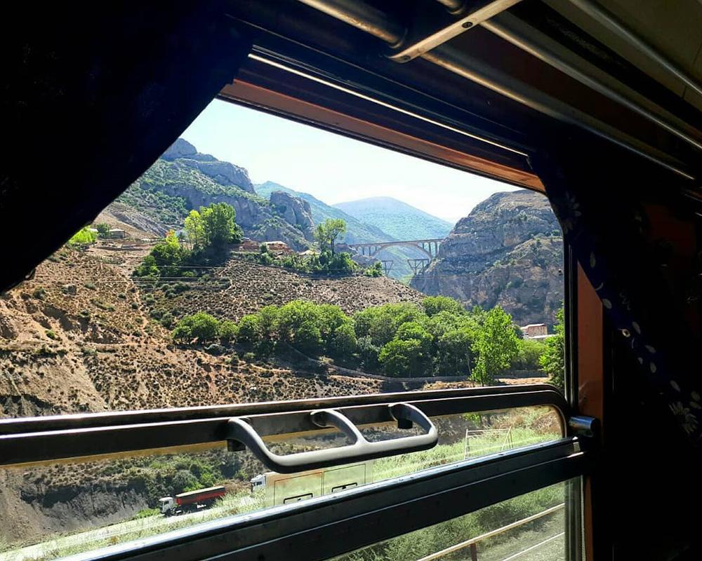 نمایی از پل ورسک از داخل قطار