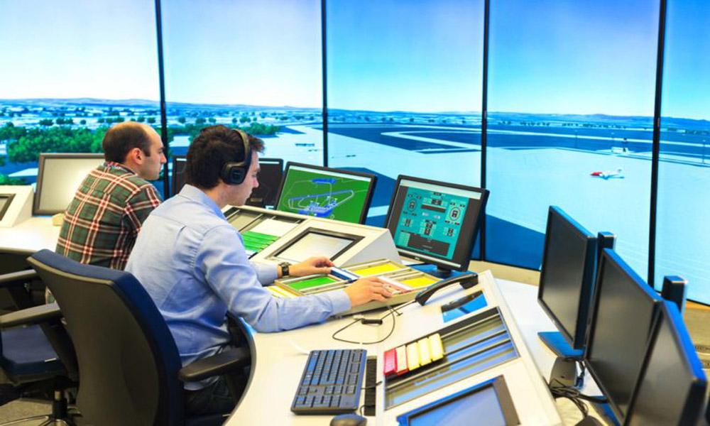کنترلرهای ترافیک هوایی؛ مسئول امنیت جاده های آسمان