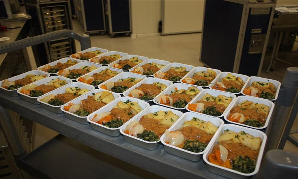 غذای هواپیما؛ تهی از مزه، پر از رمز و راز