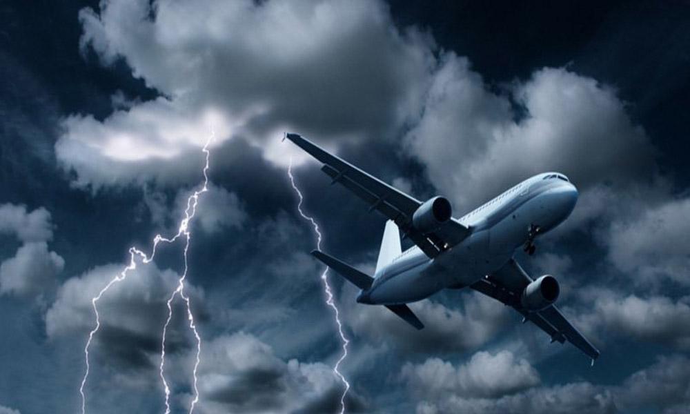آیا هواپیما در شرایط بد جوی پرواز می کند؟
