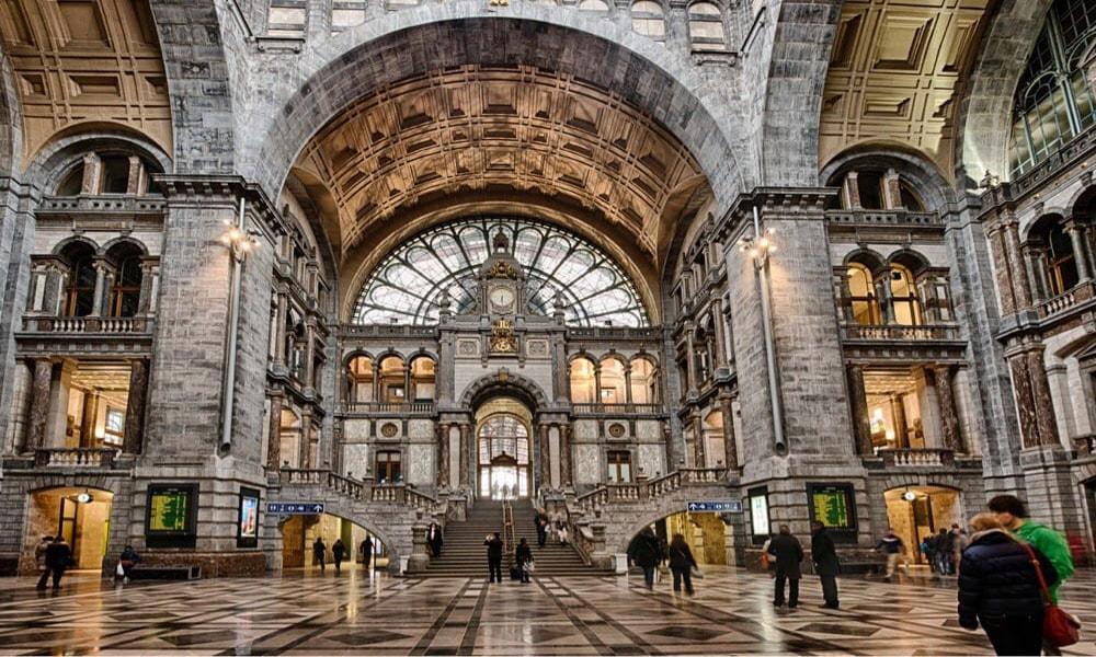 لذت انتظار روی نیمکت زیباترین ایستگاه های قطار جهان