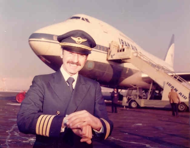 خلبان ایران ایر هما