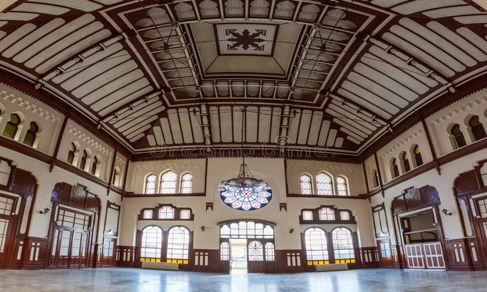 لذت انتظار روی نیمکت زیباترین ایستگاه های قطار جهانَ