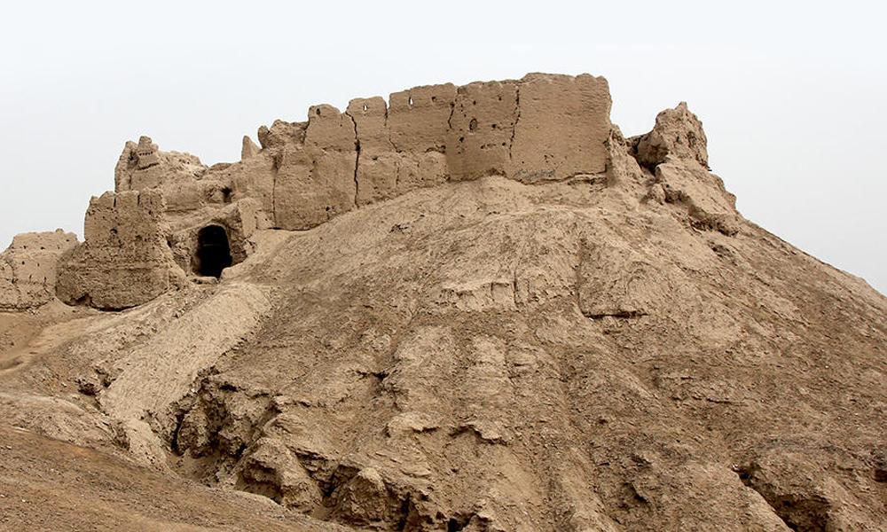 قلعه بمپور در ایرانشهر