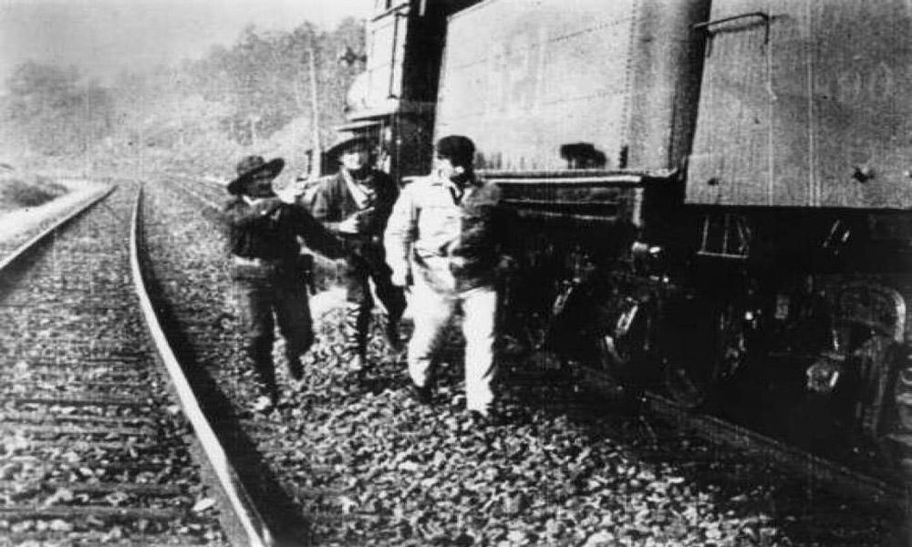 بزرگ ترین سرقت های قطار تاریخ؛ قطارها طعمه راهزنان