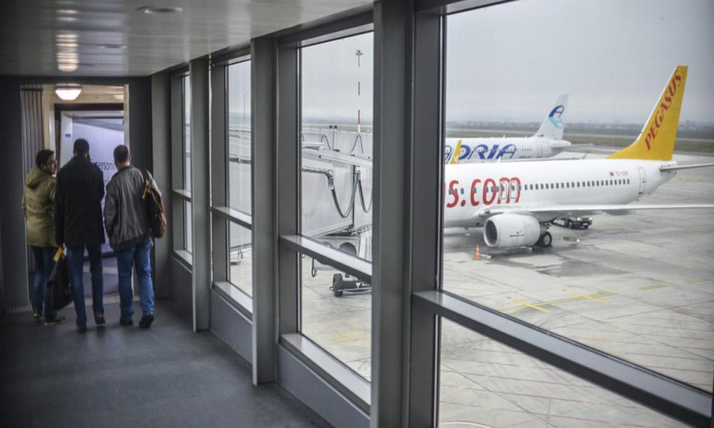 پل های اتصال به هواپیما؛ از صندلی فرودگاه تا صندلی هواپیما