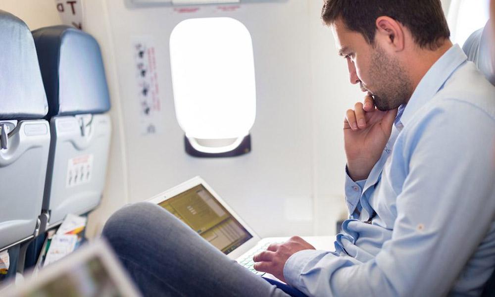 پشت صحنه محدودیت های استفاده از لپ تاپ در پروازهای بین المللی