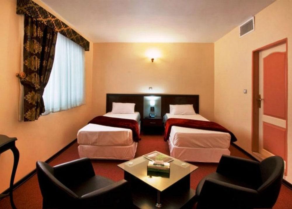 ارزان ترین هتل های ایران- هتل مروارید تهران