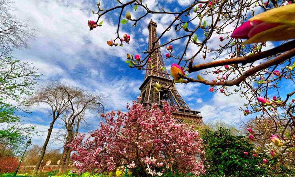 بهار در پاریس