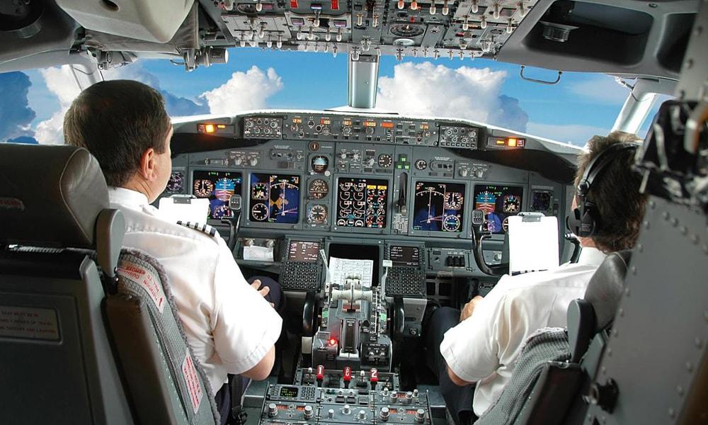 آشنایی با سیستم اتوپایلوت یا کنترل خودکار پرواز