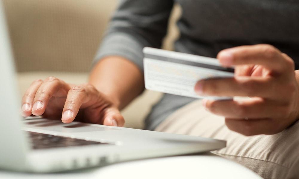 عوامل استقبال از خرید اینترنتی بلیط هواپیما