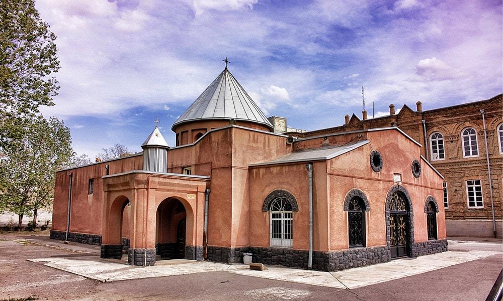 بلیط قطار تبریز-کلیسای کاتولیک ها